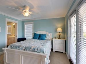 Ruffin-It, Holiday homes  Holden Beach - big - 10