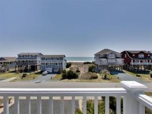 Ruffin-It, Holiday homes  Holden Beach - big - 37