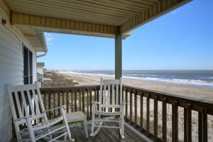 Serenitee, Holiday homes  Holden Beach - big - 8