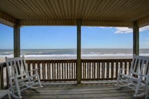 Serenitee, Holiday homes  Holden Beach - big - 10