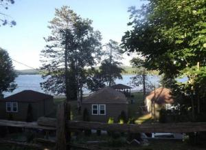 Cloverleaf Cottages, Case vacanze  Oxtongue Lake - big - 63