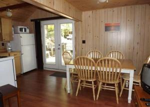 Cloverleaf Cottages, Case vacanze  Oxtongue Lake - big - 17