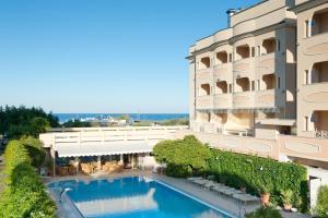 Hotel Derby Exclusive, Hotel  Milano Marittima - big - 1