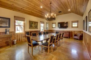 Blacksmith Quarters on Barons Creek, Apartmanok  Fredericksburg - big - 248