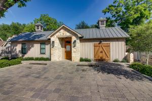 Blacksmith Quarters on Barons Creek, Apartmanok  Fredericksburg - big - 265