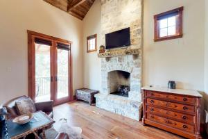 Blacksmith Quarters on Barons Creek, Apartmanok  Fredericksburg - big - 276