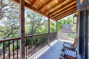 Blacksmith Quarters on Barons Creek, Apartmanok  Fredericksburg - big - 288