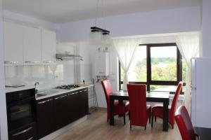 Cozy Apartments - Newton Residence