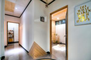 Warehouse Apartment + Netflix, Games Room and Sauna, Apartmanok  Melbourne - big - 16