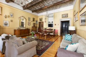 3-Bedroom Holiday Apartment Spanish Steps - AbcRoma.com
