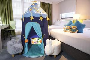 Dorsett Family Quad Theme Room (Free Buffet Breakfasts + Kids' amenities)