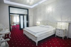 Hotel Capitol, Отели  Яссы - big - 11