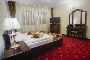 Hotel Capitol, Hotel  Iaşi - big - 4