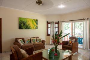 Villas des Alizes, Holiday homes  Grand'Anse Praslin - big - 54
