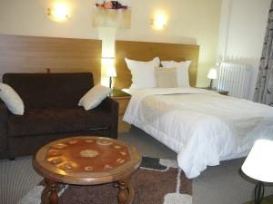 Au Soleil d'Or, Hotel  Pontaubert - big - 36