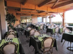 Logis Hotel Des Rochers, Hotels  Marvejols - big - 33