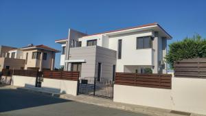 Sand Beach Villa, Holiday homes  Voroklini - big - 47