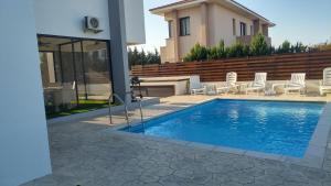 Sand Beach Villa, Holiday homes  Voroklini - big - 24
