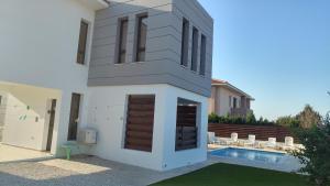 Sand Beach Villa, Holiday homes  Voroklini - big - 22