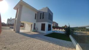 Sand Beach Villa, Holiday homes  Voroklini - big - 23
