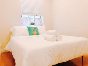 One Bus to Center City   Sleeps 8   Entire Unit - Manayunk