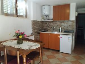 Studio Apartments Petkovic, Apartmány  Tivat - big - 27