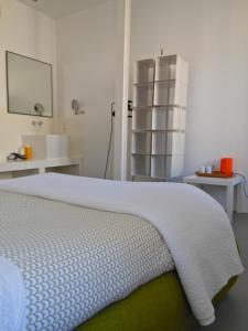 B&B Bloc G, Bed and Breakfasts  Carcassonne - big - 19