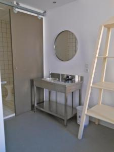 B&B Bloc G, Bed and Breakfasts  Carcassonne - big - 16