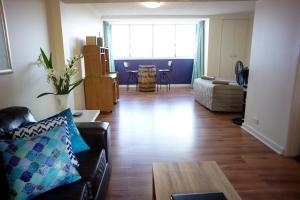 Studio 302 with ocean views, Apartments  Fremantle - big - 30