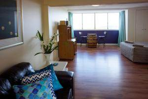 Studio 302 with ocean views, Apartments  Fremantle - big - 29