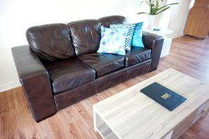 Studio 302 with ocean views, Apartments  Fremantle - big - 34