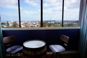 Studio 302 with ocean views, Apartments  Fremantle - big - 11
