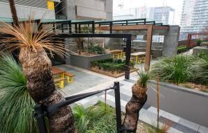 Modern 639 Lonsdale APT, Apartmanok  Melbourne - big - 11