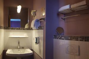 Brit Hotel Le Surcouf, Hotel  Saint Malo - big - 22