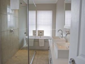 Kenjockity Self Catering Apartments, Apartmány  Hermanus - big - 67