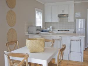 Kenjockity Self Catering Apartments, Apartmány  Hermanus - big - 4