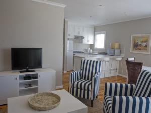 Kenjockity Self Catering Apartments, Apartmány  Hermanus - big - 57