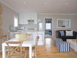 Kenjockity Self Catering Apartments, Apartmány  Hermanus - big - 54