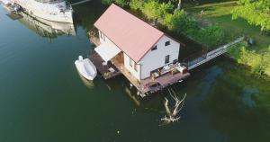 Chata Hausboat v rozprávke Bratislava Slovensko