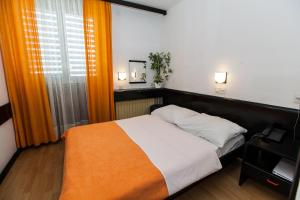 Hotel International, Hotels  Crikvenica - big - 6