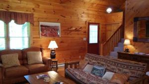 Baird's Creek Cabin, Дома для отпуска  Poplar Grove - big - 27