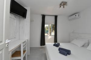 Surfing Beach Village Paros, Hotel  Santa Maria - big - 30