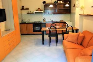 Villa Panoramica Belvedere, Apartmanok  Scontrone - big - 46