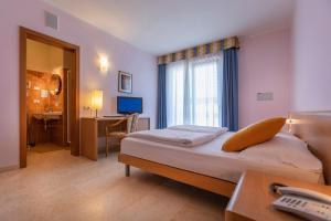Hotel Garnì Orchidea, Отели  Мальчезине - big - 47
