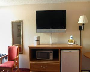 Rodeway Inn, Motels  Asheville - big - 3