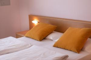 Hotel Garnì Orchidea, Отели  Мальчезине - big - 49