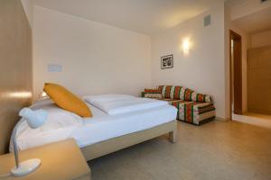 Hotel Garnì Orchidea, Отели  Мальчезине - big - 55