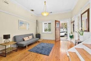 Susan - Balmain · Luxurious 3 Bedroom House close to the city