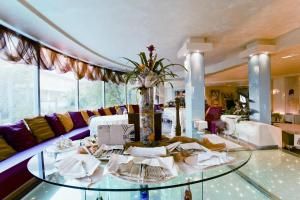 Hotel Waldorf- Premier Resort, Hotels  Milano Marittima - big - 72