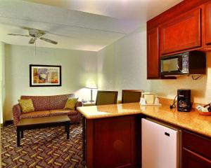 Quality Inn & Suites Mansfield, Hotels  Mansfield - big - 8